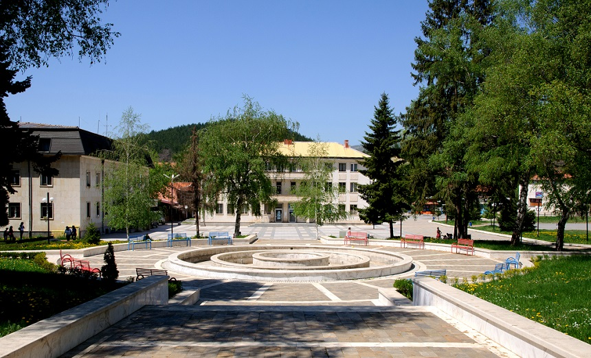 Godech_central_square