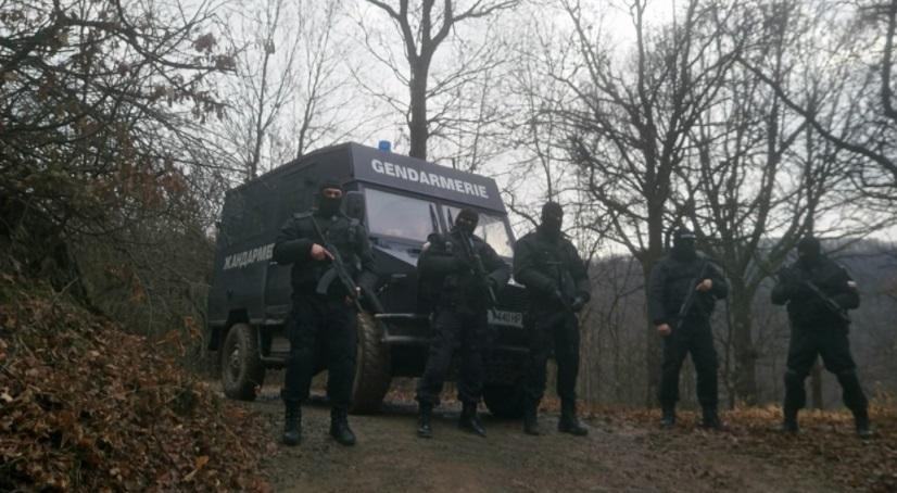 Гората край Своге почерня от тежковъоръжени полицаи! Спецченгетата търсят убиеца от Нови Искър